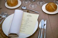 protocolo en la mesa para bodas