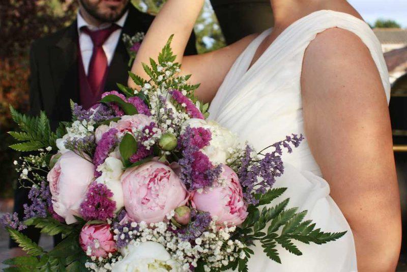 ramos de novia con peonias