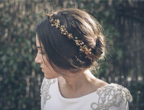 Las diademas: el complemento perfecto para tu outfit de invitada